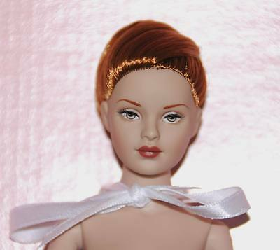 Touch Of Class Nude Tiny Kitty doll Tonner 2004 MIB w/ stand NO BW