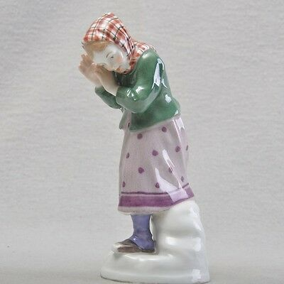 Meissen art nouveau figurine Alfred King, afraid girl averting snowballs