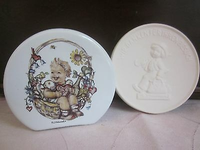 M.J.HUMMEL porcelain MONEY BOX & vintage GOEBEL Factory keepsake PLAQUE boxes