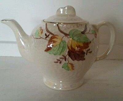 VINTAGE Ringtons Malingware Mother of Pearl White Lustre Tea Pot- Leaf Design