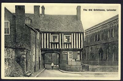 D516...   The Old Gatehouse , Leicester.   Real Photo.