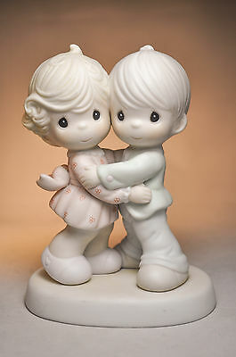 Precious Moments: Hug One Another - 521299 - Classic Figure
