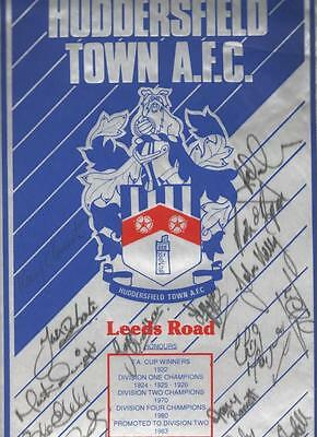 HUDDERSFIELD TOWN AFC Large Signed Pennant 80's FREE POST UK