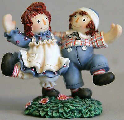 Enesco Raggedy Ann & Andy Smiles And Happiness Are Truly Changing 544892