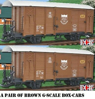 A PAIR yes 2 G SCALE 45mm GAUGE RAILWAY BOX CAR BROWN CARGO BOXCAR GARDEN TRAIN