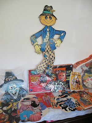 Huge Lot Paper Decorations Halloween Fall Honeycomb  Die Cuts Witches Pumpkins +
