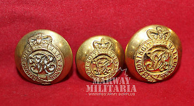 Brigadiers & Colonels Victorian,  OFFICER'S Uniform BUTTON set.   (inv 7752)
