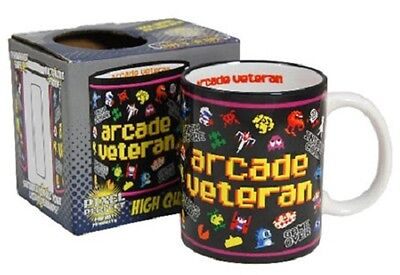 # ARCADE VETERAN - LOGO - OFFICIAL BOXED MUG pacman space invaders asteroids