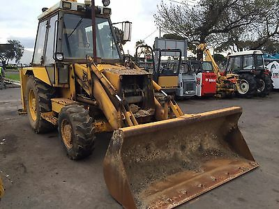 JCB 3 CX tractor extendable back hoe with front-end loader