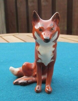 Beswick Seated Fox 1748 - Perfect!
