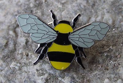 Short Haired Bumblebee Wild Countryside Bee Wildlife Brooch Pin Badge