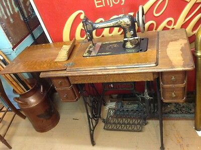 Antique Singer 1905 Model 27-4 Sphinx Treadle Sewing Machine W/ Wood Cabinet