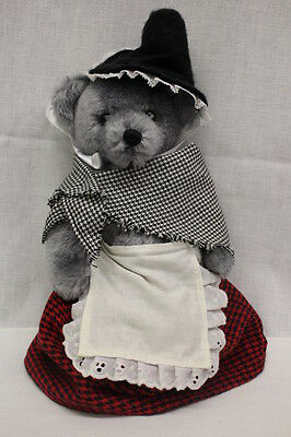 """DEANS RAG BOOK Co. Ltd. """"Welsh Lady"""" Limited Ed Bear #19, 1996, Great Britain"""