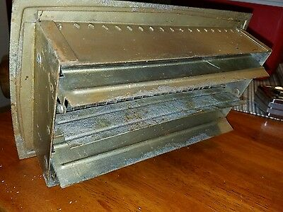 Vintage old floor/wall adjustable   portable vent 10 x 6 x 2 farm barn home shop