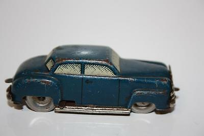 clockwork Small tin plate car -in good condition do not have key BUT IT RUN OK