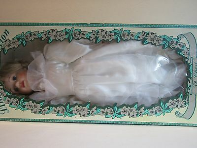 """NEW! LE CHERI """"Tracie"""" Limited Collection PORCELAIN BRIDE DOLL~22""""~Bendable"""