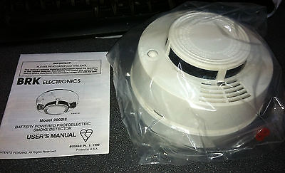 BRK Electonics 2002IE Bettery powered Photoelectric Smoke Detector (EL-2503) NEW
