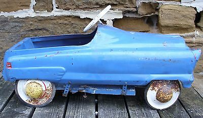 ANTIQUE 1950s AUTOMOBILE PEDAL CAR