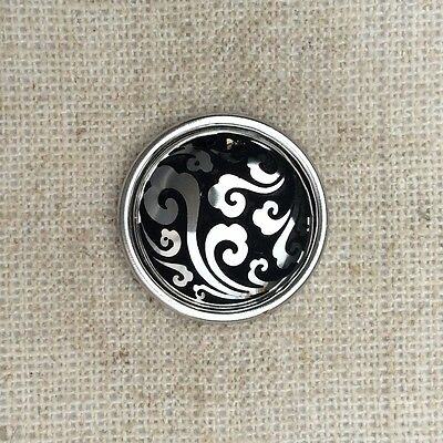 Noosa style chunk snap for leather bracelet -Finely etched silver Roman swirl