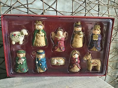 Heaven Sends cute knitted style Christmas nativity set of 10 figures