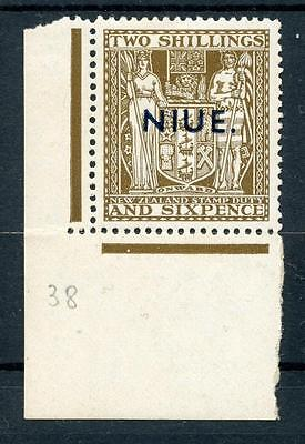Niue 1941-67 2/6 deep brown wmk inv SG83w MM