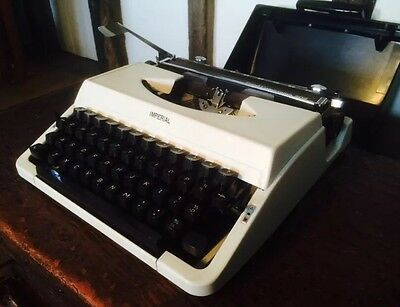Vintage Imperial Good Companion 202 Portable Typewriter With Case