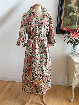 True 50s Vintage Dressing Gown Housecoat Swing Back Hand Made Quilted Silk Robe