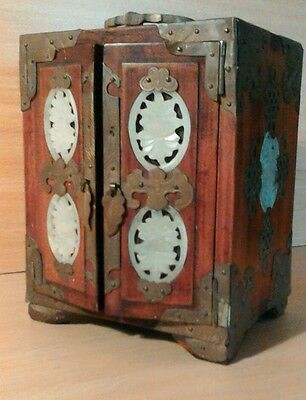 Antique Chinese / chinoiserie cabinet /chest.
