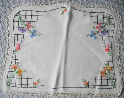 Gorgeous Vintage 1930's Hand Embroidered Linen Tea Cosy Crochet Lace Edging