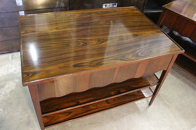 Pair Mid-Century Rosewood End Tables; Highly Figured Veneers & Scalloped Skirt