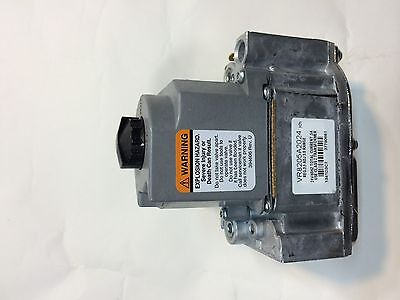 Honeywell dual combination gas valve. VR8205 A2024 24V 1/2  inches inlet oulet