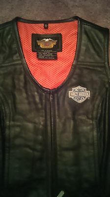 Womens Harley Davidsons Black Leather Vest - New without Tags