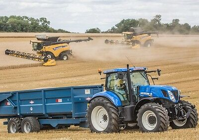 New Holland CR10.90, CR9080 and New Holland Tractor Poster print