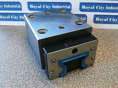 Rexroth  R182133110 Roller Linear Bearing -- New