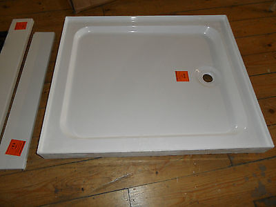 900mm x 760mm Shower Tray with adjustable feet & panels