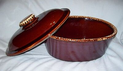 """VINTAGE 10"""" long HULL USA oven-proof Brown Drip 2QT Covered Oval Casserole Dish"""