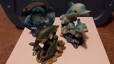Dolphins & Dolphins Figurines