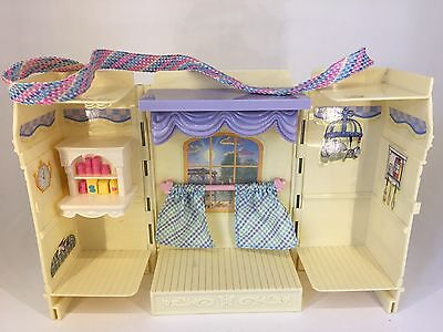 Fisher Price - Loving Family Figures - Carry Along Room / House