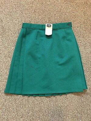 "Vintage Amal to Pleated School Bottle Green Sports Skirt PE  waist 26"" X 18""BNWT"