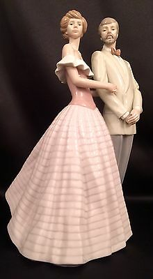 "~Mint Condition~Lladro ""An Evening Out"" Elegant Couple/Romantic (5540)"