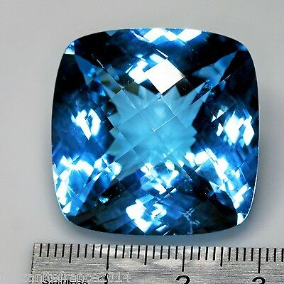 102,33 carats, TOPAZE NATURELLE TOP COLOR . BIG SIZE !!