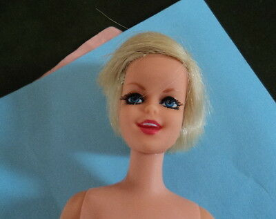 Near Mint Twiggy Doll-  A Great Find - W/ Great Face And Body !!