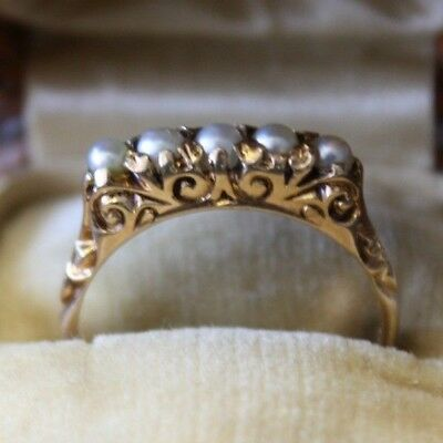 Vintage Ring Yellow Gold 14K with 5 natural pearls 2.3 grams size 6