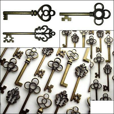 Large Skeleton Keys Antique Bronze Collectibles Vintage Wedding Decor Set of 30
