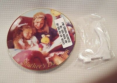 1998 Avon Mother's Day Plate Special Moments NOS New In Box