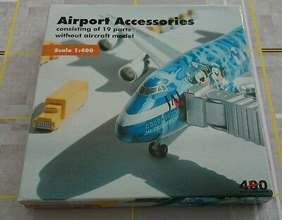 AIRPORT accessories Kit 19 Pc 1/400 by Bigbird.  BRAND NEW, MINT CONDITION
