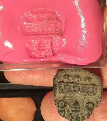 Early Teracotta Seal Pre-Columbian . Ex Smith