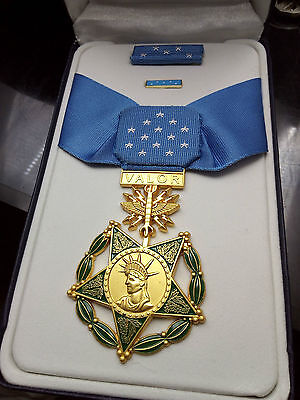 US Air Force MEDAL OF HONOR and RIBBON BAR - Full Size - American WW2 Replica