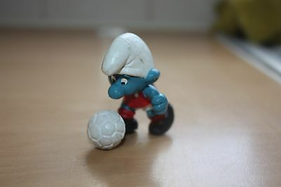Nottingham Forest Footballer Hard to Find Smurf Peyo W.Germany Yellow Dot