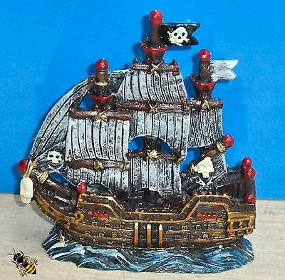 Aquarium Ornament Sailing Pirate Ship Fish Tank Bowl Decoration Goldfish Boat